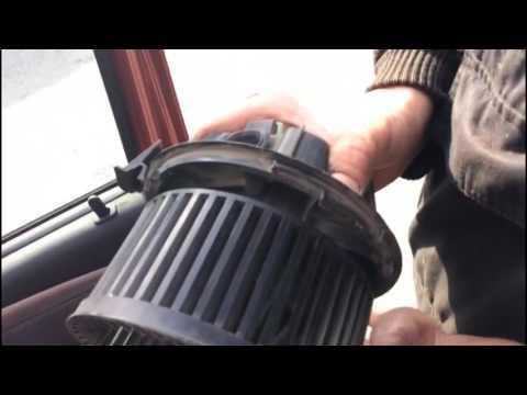 Как снять вентилятор печки без снятия парприза на Рено Дастер