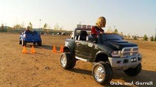 getlinkyoutube.com-Power Wheels Tug Of War 1 - Ford F-150 vs Dodge Ram