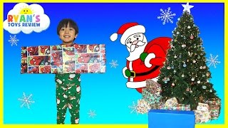 getlinkyoutube.com-Christmas Morning 2015 Opening Presents Surprise Toys Ryan ToysReview