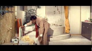 getlinkyoutube.com-Peter Sellers - The Party - Bathroom Scene