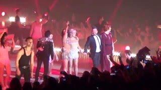 getlinkyoutube.com-Le final : Dirty Dancing, Flashdance, Victoire de Priscilla - DALS Tournée Nantes 16/01/16