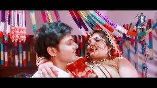 getlinkyoutube.com-Aaj De Da Tu Aapan Jawani   Bhojpuri Movie Suhag Raat Song   Wedding Night Song