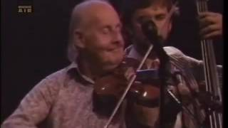 getlinkyoutube.com-Martin Taylor and Stephane Grappelli - Live at Montreal Jazz Festival 1984