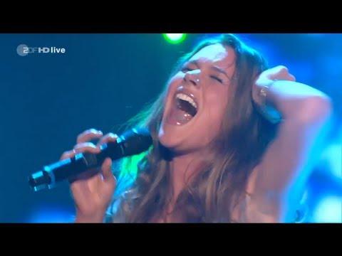 Joss Stone - Here Comes The Rain Again - Amazing Live Performance