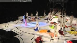 "getlinkyoutube.com-""Gianni Versace"" Spring Summer 1998 Milan 3 of 3 pret a porter men by Fashion Channel"