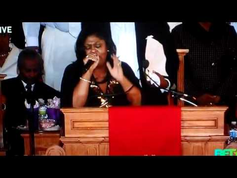 Kim Burrell Sings For Whitney Houston (Funeral) A Change is Going To Come (From Mortal To Immortal)