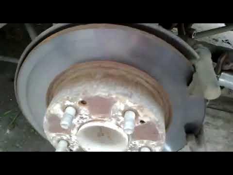 Хонда аккорд 7 замена задних тормозных колодок и дисков.