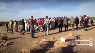 getlinkyoutube.com-► تصوير لحظة دفن الطفلين الذي توفيا حرقا اولاد جلال