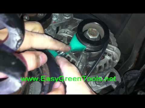 Smart fortwo belt replacement - tutorial - Easy Green Tools