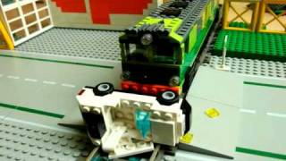 getlinkyoutube.com-126p LEGO crash test