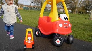 getlinkyoutube.com-Mother & Baby COZY COUPE -Playing in the Park
