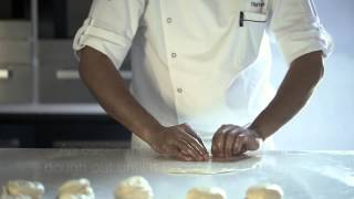 getlinkyoutube.com-Learn how to make roti prata