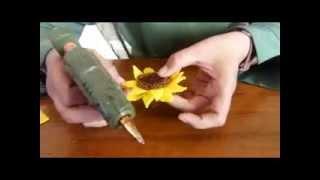 getlinkyoutube.com-TUTORIAL FLANEL (Membuat bros bunga Matahari) by sawitri