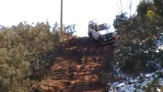 getlinkyoutube.com-4x4 pajero on mud hill