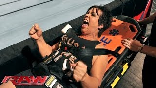 getlinkyoutube.com-Vickie Guerrero vs. AJ Lee: Raw, Nov. 18, 2013