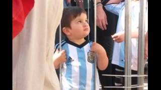 getlinkyoutube.com-Messi proves his love for his son Thiago Argentina Part 2