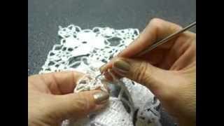 getlinkyoutube.com-Flor de cuatro corazones Crochet