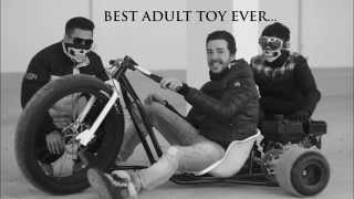 getlinkyoutube.com-Motorized Drift Trike Gang