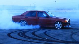 getlinkyoutube.com-MERCEDES BENZ 190 V8 & C43 AMG DRIFT