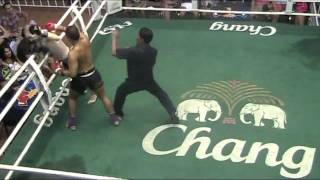 getlinkyoutube.com-Dux breaks opponents leg in Muay Thai Fight, Brutal! - Sinbi Muay Thai