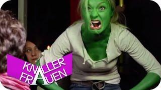 getlinkyoutube.com-Boxen & Mach mir den Hulk - Knallerfrauen mit Martina Hill | SAT.1