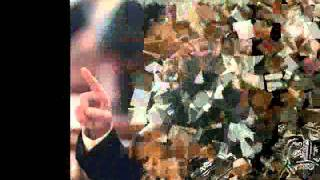 getlinkyoutube.com-الرئيس صدام حسين يغني للشعب العراقي + صور نادرة