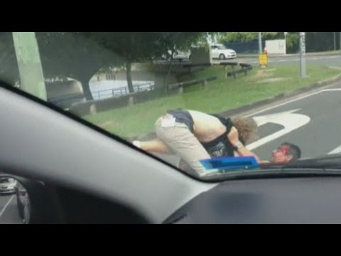 Dramatic road rage footage: Two men caught in brawl on Australian road