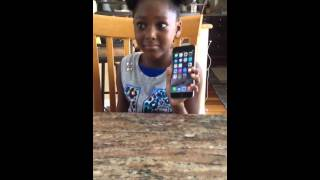 getlinkyoutube.com-Little girl gets caught with brand new iphone 6 plus