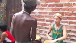 getlinkyoutube.com-Conga Lesson in Santiago de Cuba