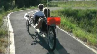 getlinkyoutube.com-Recumbent tandem trike 02  -  trike01.wmv