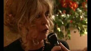 Brigitte BARDOT se livre sur sa passion pour les animaux.