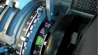 Boeing 737 NG Cockpit Tour