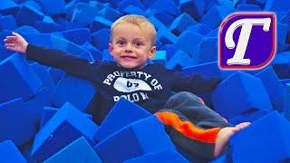 getlinkyoutube.com-Спортивная Гимнастика и Маленький Гимнаст Максим Ч. 2 – Игры в Зале Прыжки для детей entertainment