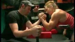 getlinkyoutube.com-The World's Strongest Woman vs Average Men