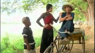 getlinkyoutube.com-Neay Vangdeur chnam 2002   Part 02   Khmer Comedy