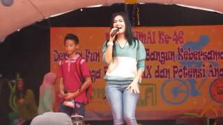 getlinkyoutube.com-Iis Dahlia duet bersama anak nyanyi lagu dangdut