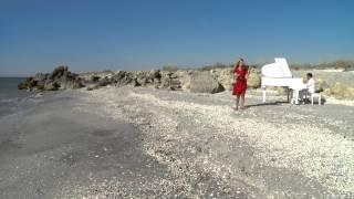 Sara Stroici - Stim un rau cu apa vie