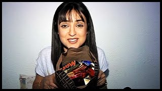 getlinkyoutube.com-Sanaya Irani  Receives Birthday Gifts From Her Fans