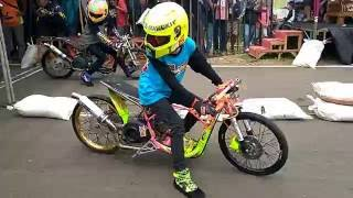 "getlinkyoutube.com-Drag bike BSMC seri 2 Batang "" Kelas Matic 200cc open""20 November 2016"