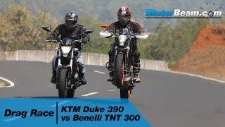 getlinkyoutube.com-KTM Duke 390 vs Benelli TNT 300 - Drag Race | MotorBeam