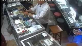 getlinkyoutube.com-pencurian handphone di ITC Fatmawati tertangkap CCTV