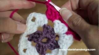 getlinkyoutube.com-Crochet a Traditional Granny Square
