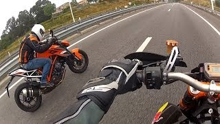 getlinkyoutube.com-KTM SM Prototype (RC8R Engine) VS KTM 1290 Super Duke R