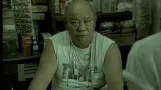 タイの電子マネーのCM。両替してくれないのでガム一個買う。店頭の親父の対応