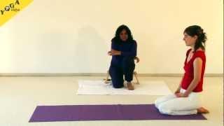 Sanfte Yogastunde für Anfänger im Satyananda Stil mit Dr. Nalini Sahay