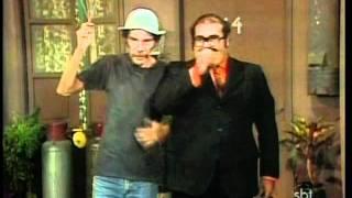 getlinkyoutube.com-Chaves - O vendedor de balões (1977)
