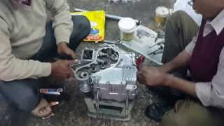 getlinkyoutube.com-Royal Enfield Bullet Standard 350 Engine Fitting - Part 2