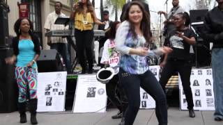 getlinkyoutube.com-Former Soul Train Dancers Tribute to Don Cornelius by Flourishe