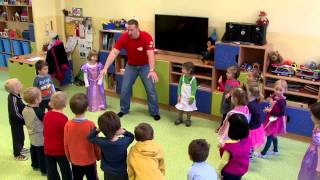 How to teach Kids  | from a Prague kindergarten, part 1 | English for Children