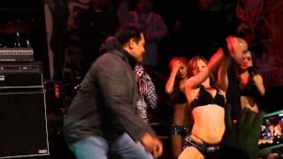 getlinkyoutube.com-Mocha Girls Franz doing the Harlem Shake with a fan live @ DNA Lounge,San Francisco.[HD]
